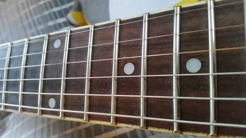 how-to-polish-guitar-frets-finished